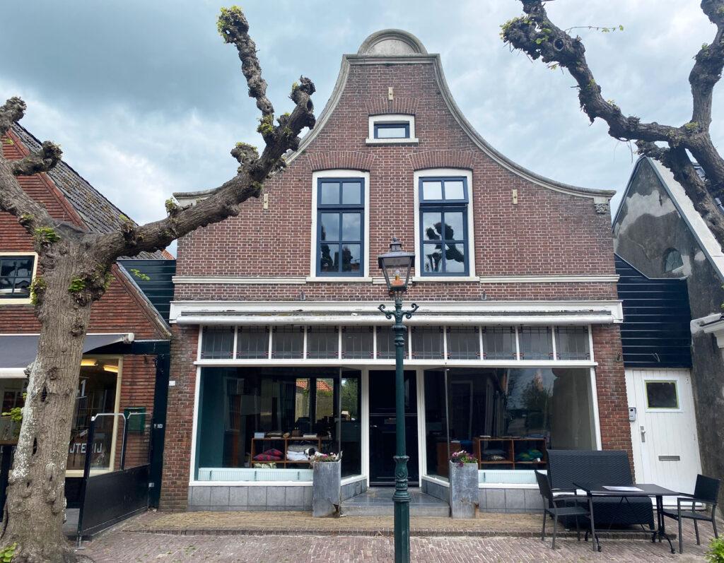Klokgevel, Buorren 43, Langweer, Friesland